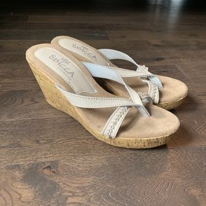 Cream Wedges w/ Rhinestone Toe-Strap. Size 9